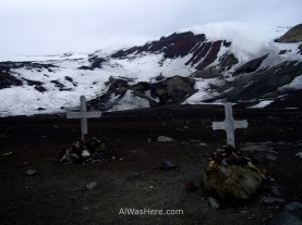 Dos tumbas