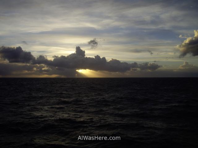 Antártida Estrecho Drake Sol medianoche Midnight sun Antarctica