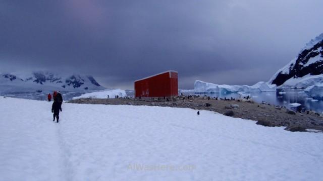 Antartida Puerto Neko, Antarctica Neko Harbour Argentinian argentina base