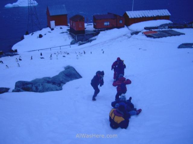 Antartida Puerto o Bahia Paraiso, Antarctica Paradise Bay, Base Almirante Brown (2)