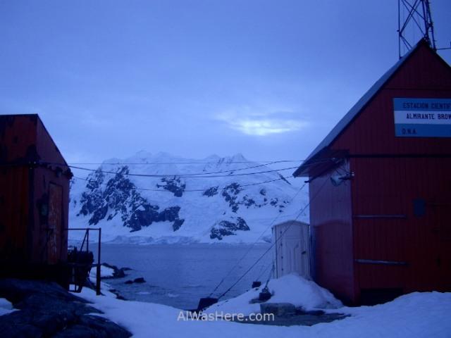 Antartida Puerto o Bahia Paraiso, Antarctica Paradise Bay, Base Almirante Brown