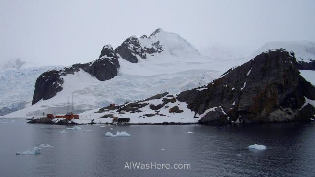 Antartida Puerto o Bahia Paraiso, Antarctica Paradise Bay, Base Presidente Gabriel Gonzalez Videla (2)