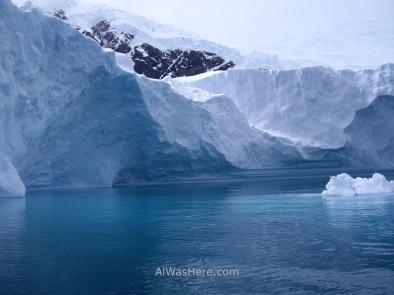 Desembocadura de un glaciar en la bahía