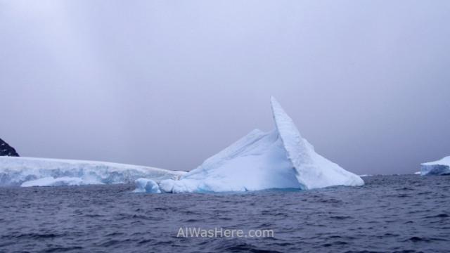 Iceberg en Cuverville Island Antartida, Antarctica (4)