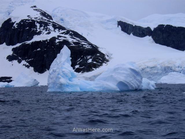 Iceberg en Cuverville Island Antartida, Antarctica (6)