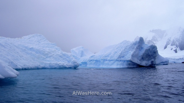 Iceberg en Cuverville Island Antartida, Antarctica (7)